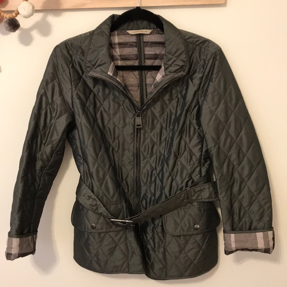 10aa35db7683 Burberry Jackets   Blazers - ✨Authentic Quilted Burberry Women s Jacket